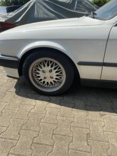 BMW e30 318i Cabrio alpinweiß 2