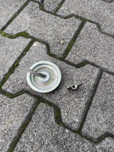 Reserverad Ersatzrad Verschraubung mit Auflage 51471904726